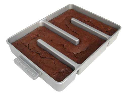 bakers edge brownie pan gifts for foodies and food lovers