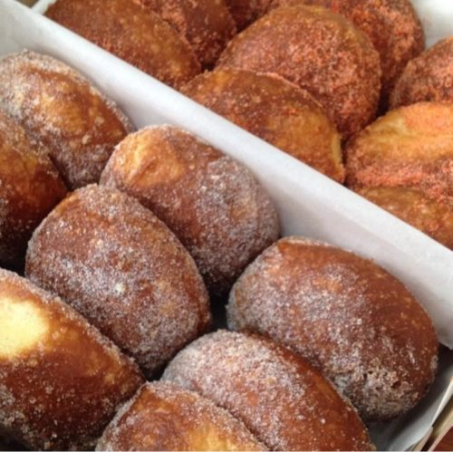 malasadas hawaiian food leonard's bakery